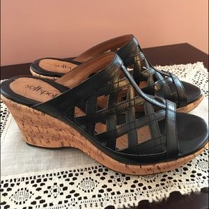 NEW Softspots Black Wedge Sandals Size 7.5M